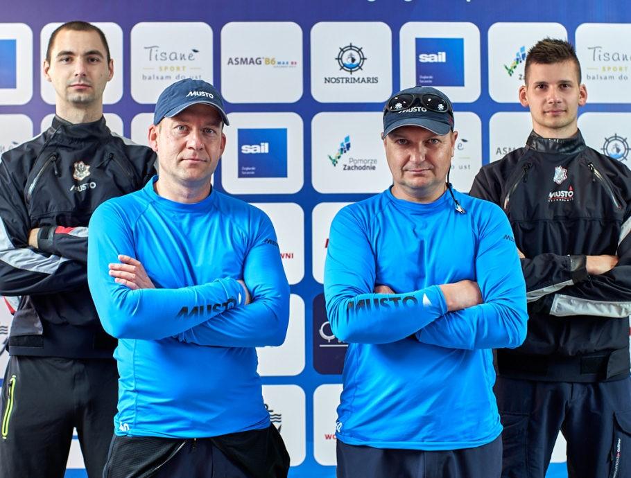 Iskra AMW Gdynia triumfuje w 1. rundzie Ekstraklasy !